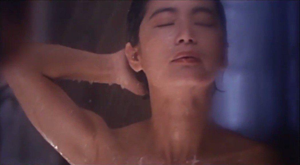 林青霞在「驚魂記」也有淋浴的性感畫面。圖/擷自YouTube