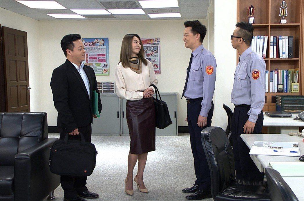 侯怡君(左二)接拍民視八點「幸福來了」。圖/民視提供