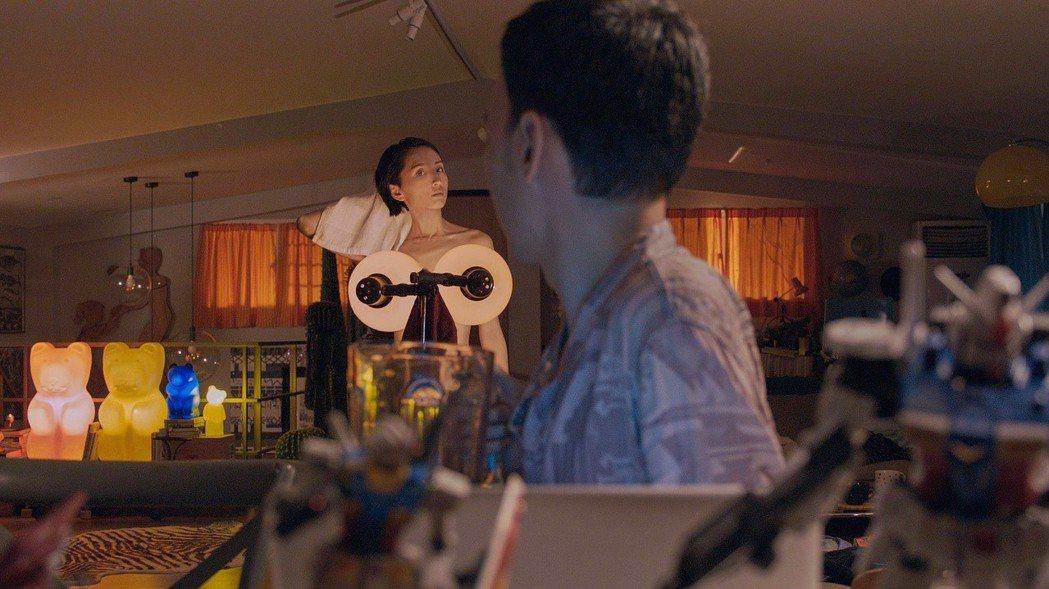 柯佳嬿與張少懷在「市長夫人的秘密」中大演情慾場面。圖/威視提供