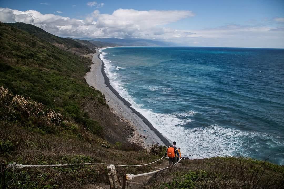 舊稱阿塱壹古道的「旭海觀音鼻自然保留區」有著台灣碩果僅存的海岸原始森林。記者蔣繼...