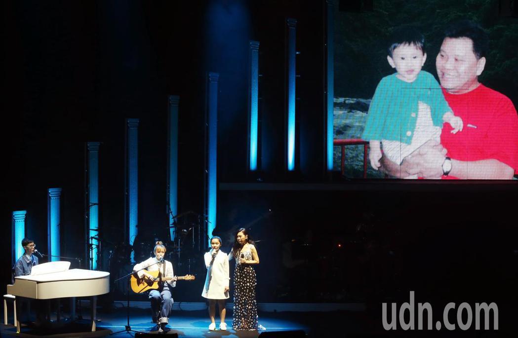 馬永蒂還親自寫了一首歌曲「回家」來表達對父親馬兆駿的思念。記者徐兆玄/攝影