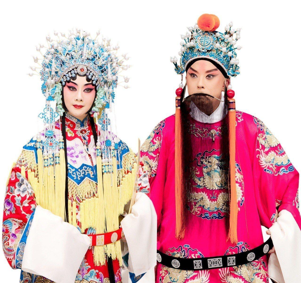 在京劇「紅鬃烈馬」中,于魁智飾薛平貴(右)李勝素飾王寶釧。 圖/傳大藝術提供