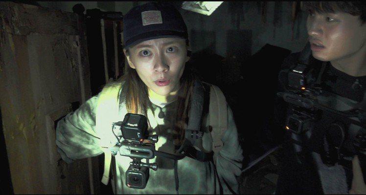 《鬼病院:靈異直播》隊員朴志鉉(左)、宣布隱退的李丞旭(右)。
