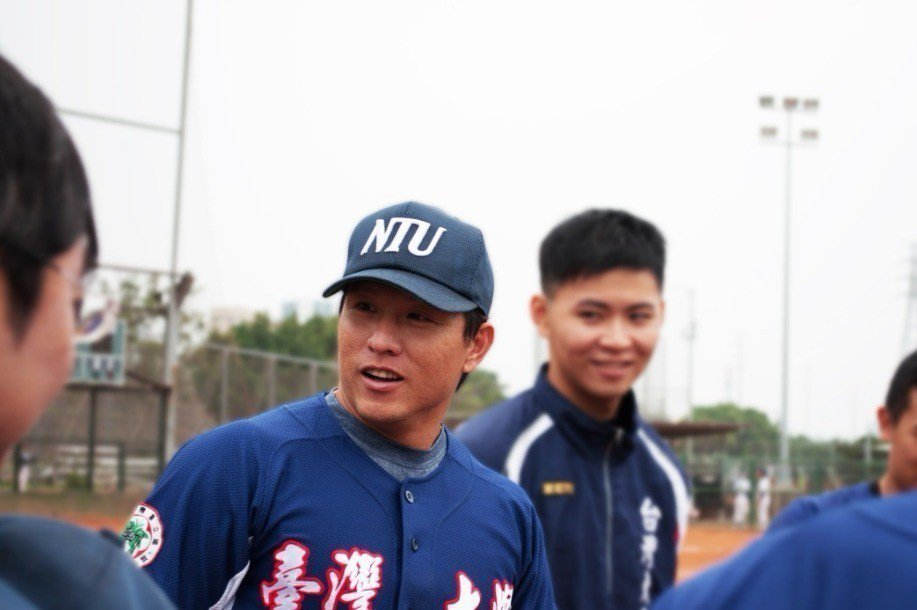 前中職選手呂祐華,現為台灣大學棒球隊教練。 圖/陳奕臻攝