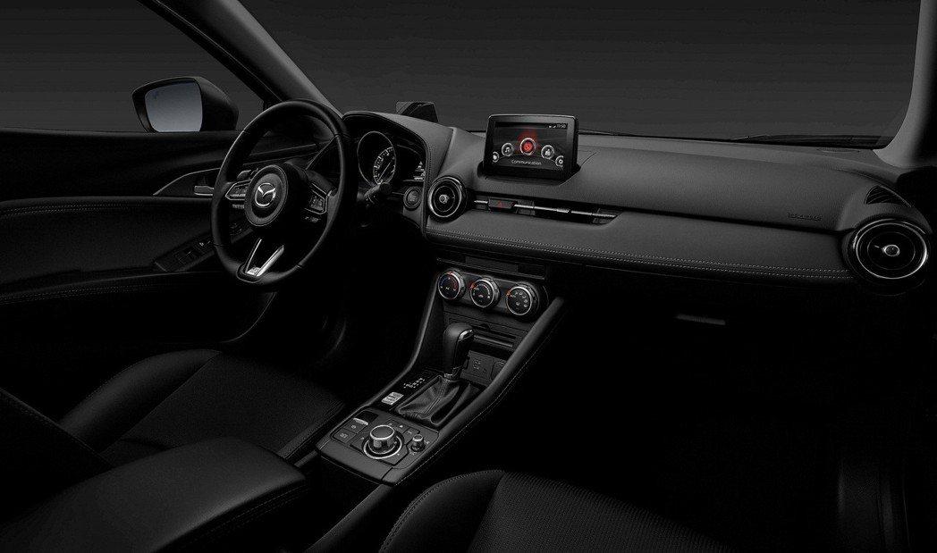 2019 MAZDA CX-3全車系標配EPB電子手煞車搭配嶄新內裝,兼顧設計質...