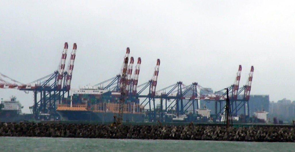 國軍情報單位早在10年前,就已發現解放軍實施的「摩步旅奪港」軍演,目標就是台北港...