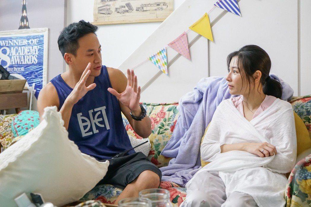 陳怡蓉(右)與何潤東合作愉快。 圖/TVBS提供