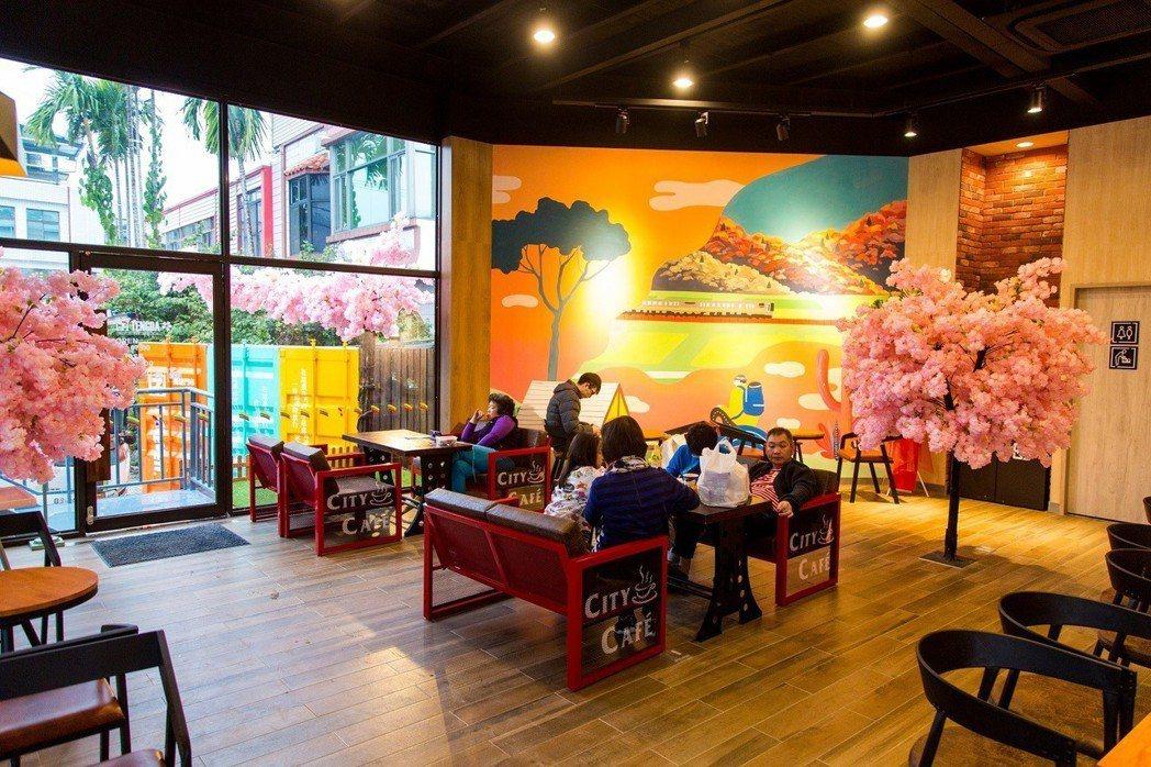 7-ELEVEN人氣最高的特色店,是位於新竹內灣占地約百坪「騰達門市」,店內主打...
