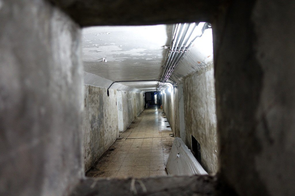 郝龍斌時期斥資1.6億整修圓山坑道館歷史建築,已荒廢兩年成廢墟。 圖/聯合報系資...