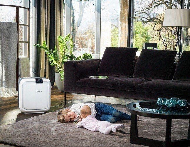 來自瑞士的BONECO 智慧進化保濕空氣清淨機,能清淨家中空氣,且在淨化空氣的過...