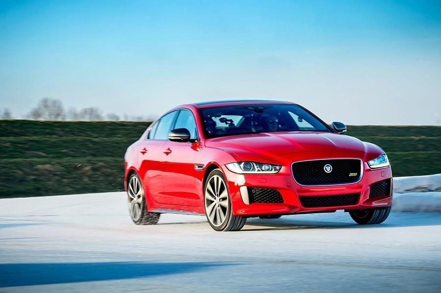 XE 300 Sport搭載 Jaguar最強四缸渦輪引擎上市!