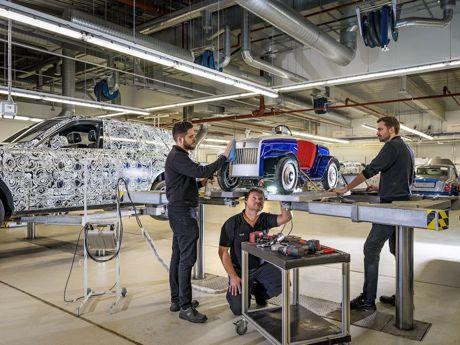 Rolls-Royce Cullinan 自家工廠秀給你看