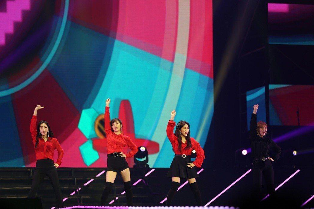 Red Velvet勁歌熱舞。圖/亞士傳媒提供
