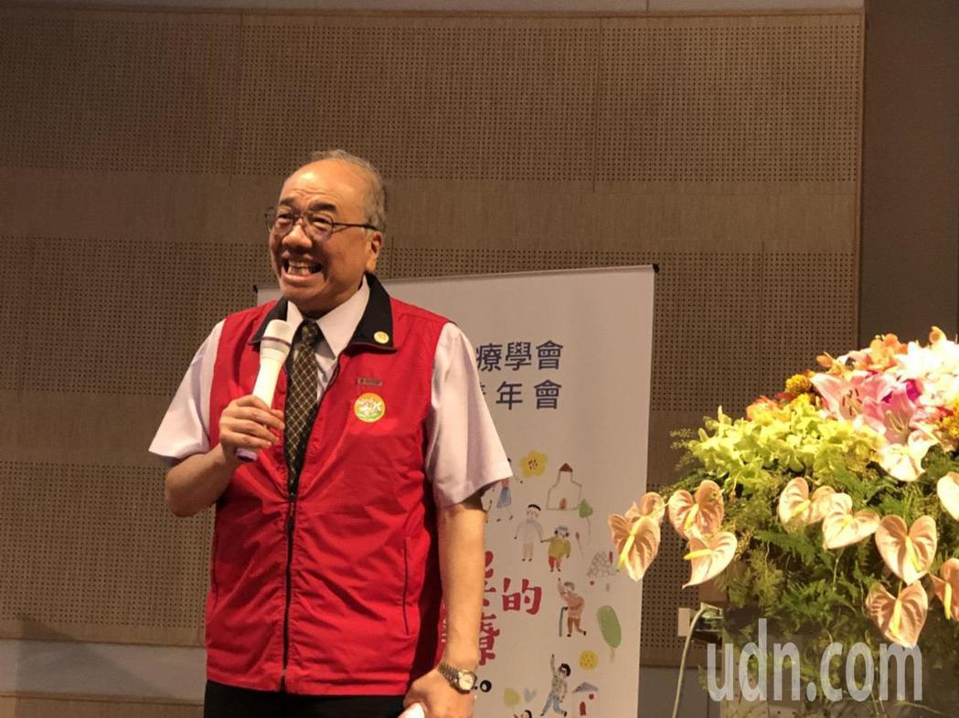 台灣家庭醫學會名譽理事長李孟智教授說「在宅醫療做得好,什麼都成功了!」記者王慧瑛...