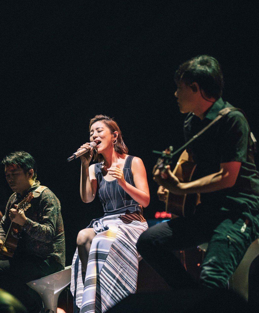 丁噹回歸歌手身份與新加坡歌迷相見。圖/相信音樂提供
