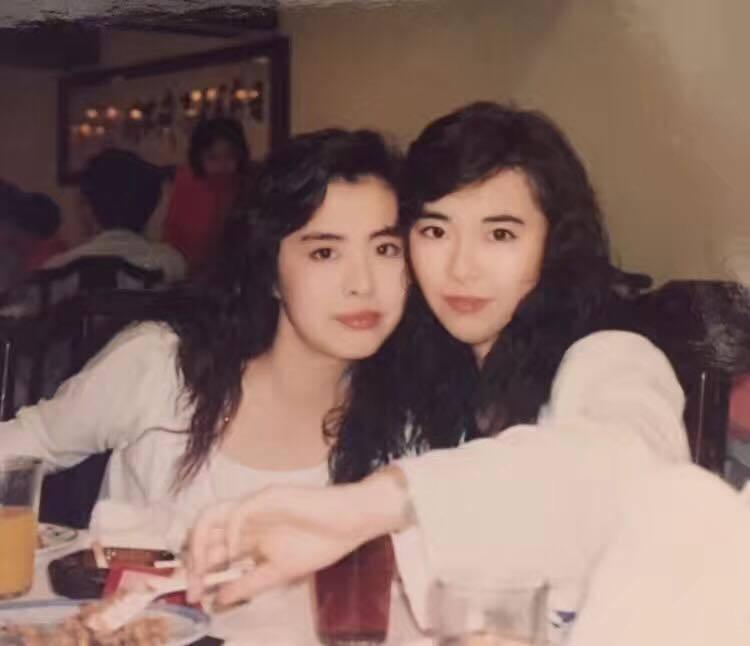 王祖賢(左)被戴蘊慧(右)誇讚是她見過最美的人。圖/摘自臉書