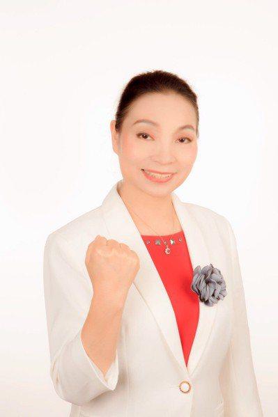 參選台中市議員的陳習珍,拍好宣傳照投入選戰。圖/陳習珍提供