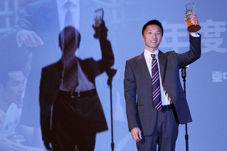 SBL第10季頒獎典禮昨天舉行,璞園隊總教練許晉哲勇奪最佳教練。圖攝自2013年...