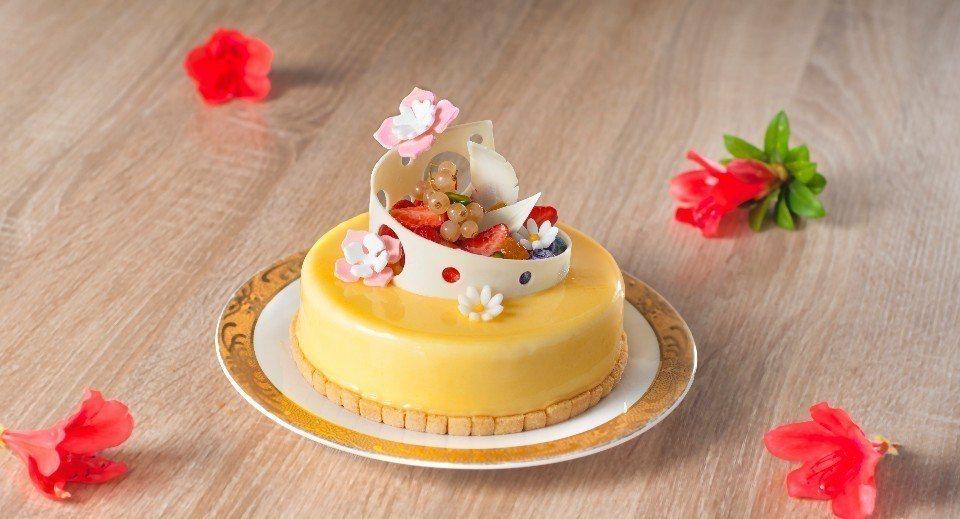 全台各大飯店都推出超夢幻的「母親節蛋糕」。(圖片提供/台北凱撒大飯店)