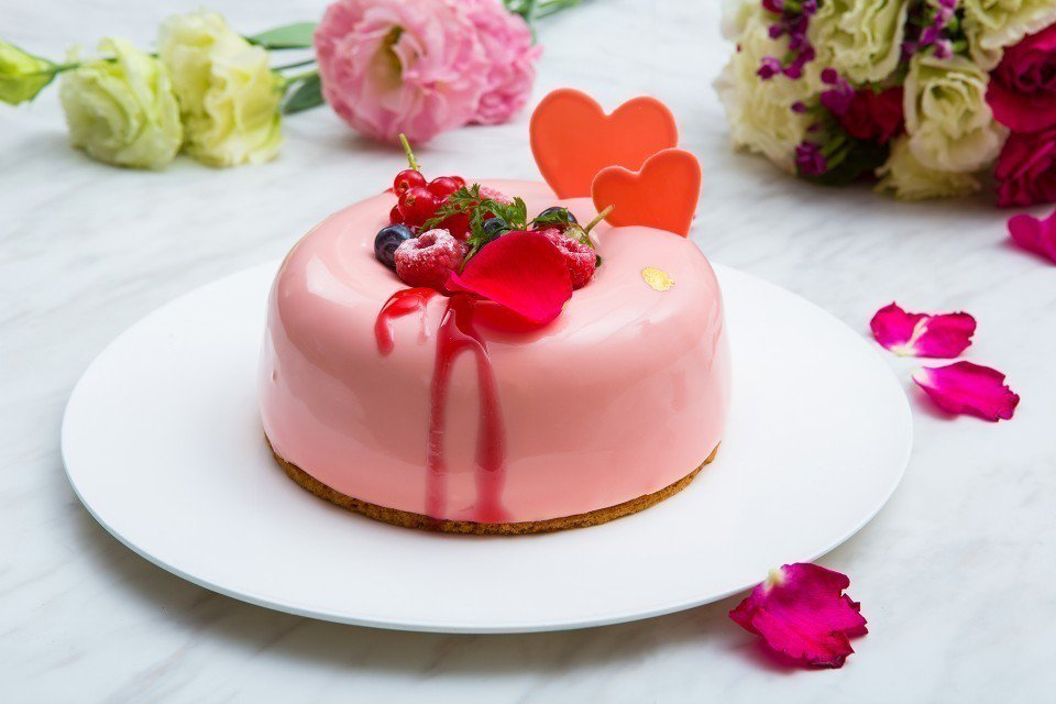「玫瑰甜馨」母親節蛋糕。(圖片提供/台北國賓大飯店)