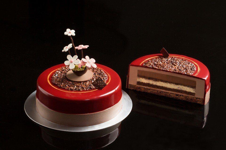 「傾愛」母親節蛋糕。(圖片提供/台北君悅酒店)