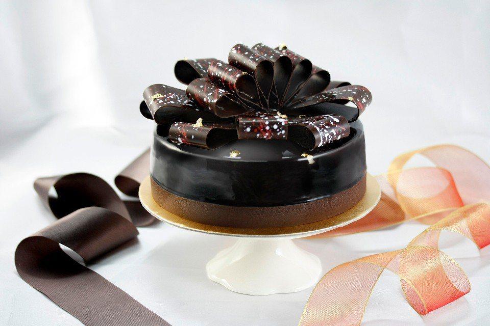 「珍愛獻禮」母親節蛋糕。(圖片提供/台北亞都麗緻大飯店)