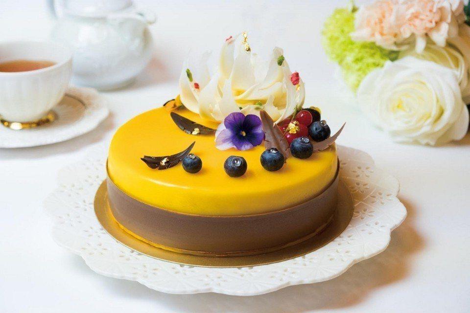 「典藏香芒慕斯」母親節蛋糕。(圖片提供/六福旅遊集團)