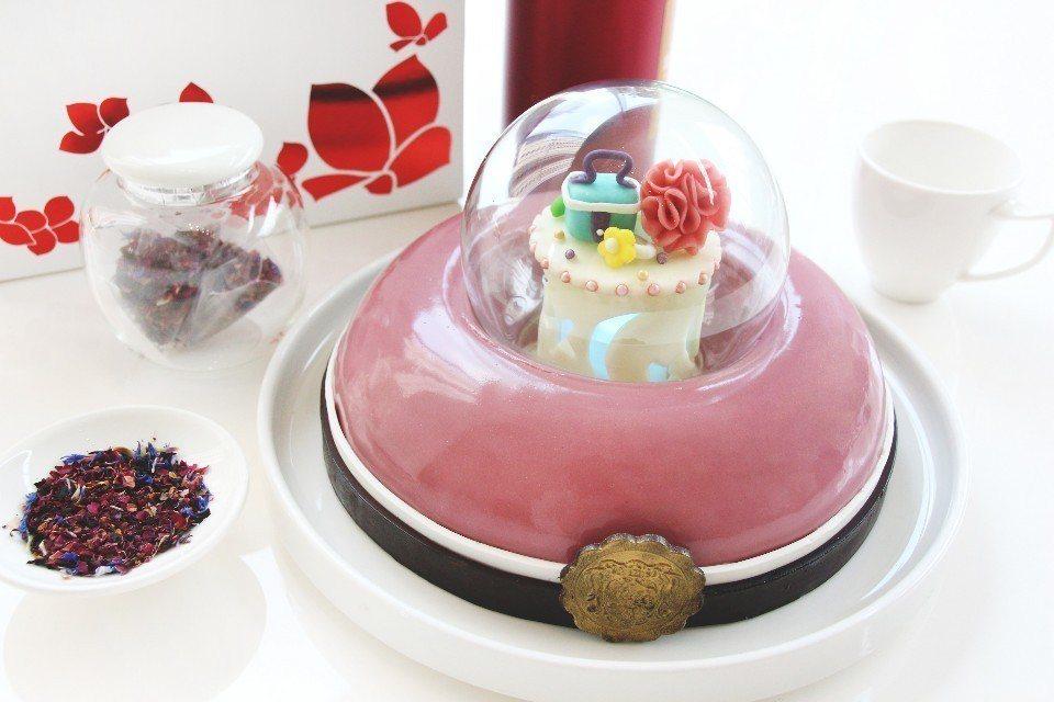 「玫荔光芒」母親節蛋糕。(圖片提供/台中日月千禧酒店)