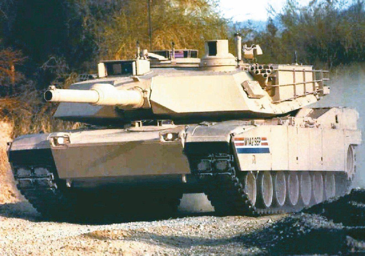 在國防部與參謀本部支持下,傾向同意陸軍建案採購兩個營、108輛柴油引擎版的美軍二...