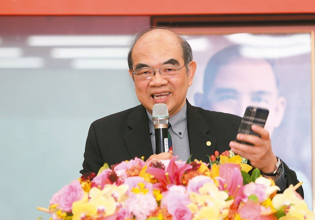 教育部長吳茂昆面對東華綬草專利爭議時表示,當初是因為要申請專利,所以成立公司,完...
