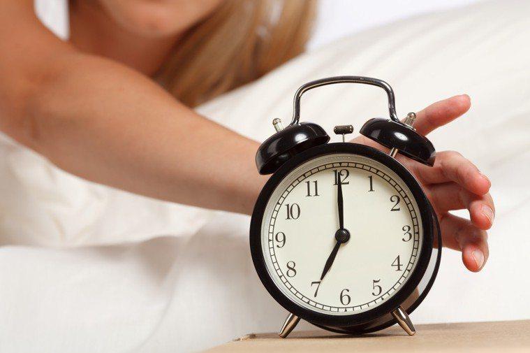 不用鬧鐘或鬧鈴,也能在固定時間自然清醒的人應該不多吧? 圖片/ingimage
