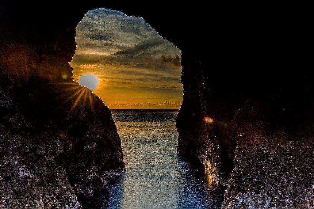 ▲蘭嶼情人洞。(圖/攝影者:chu chih pin, Flickr CC Li...