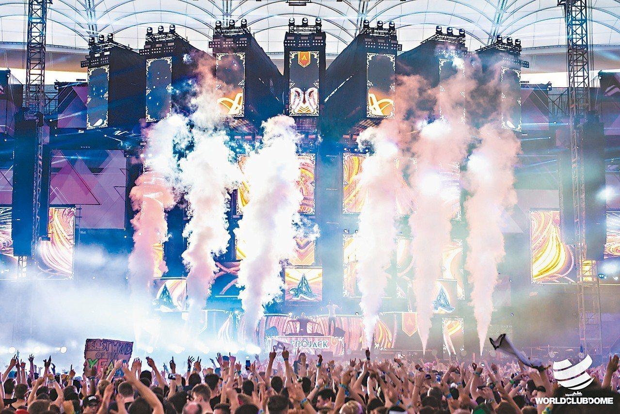邀請世界聞名的DJ播放動感音樂。 圖/擷取自worldclubdomekorea...
