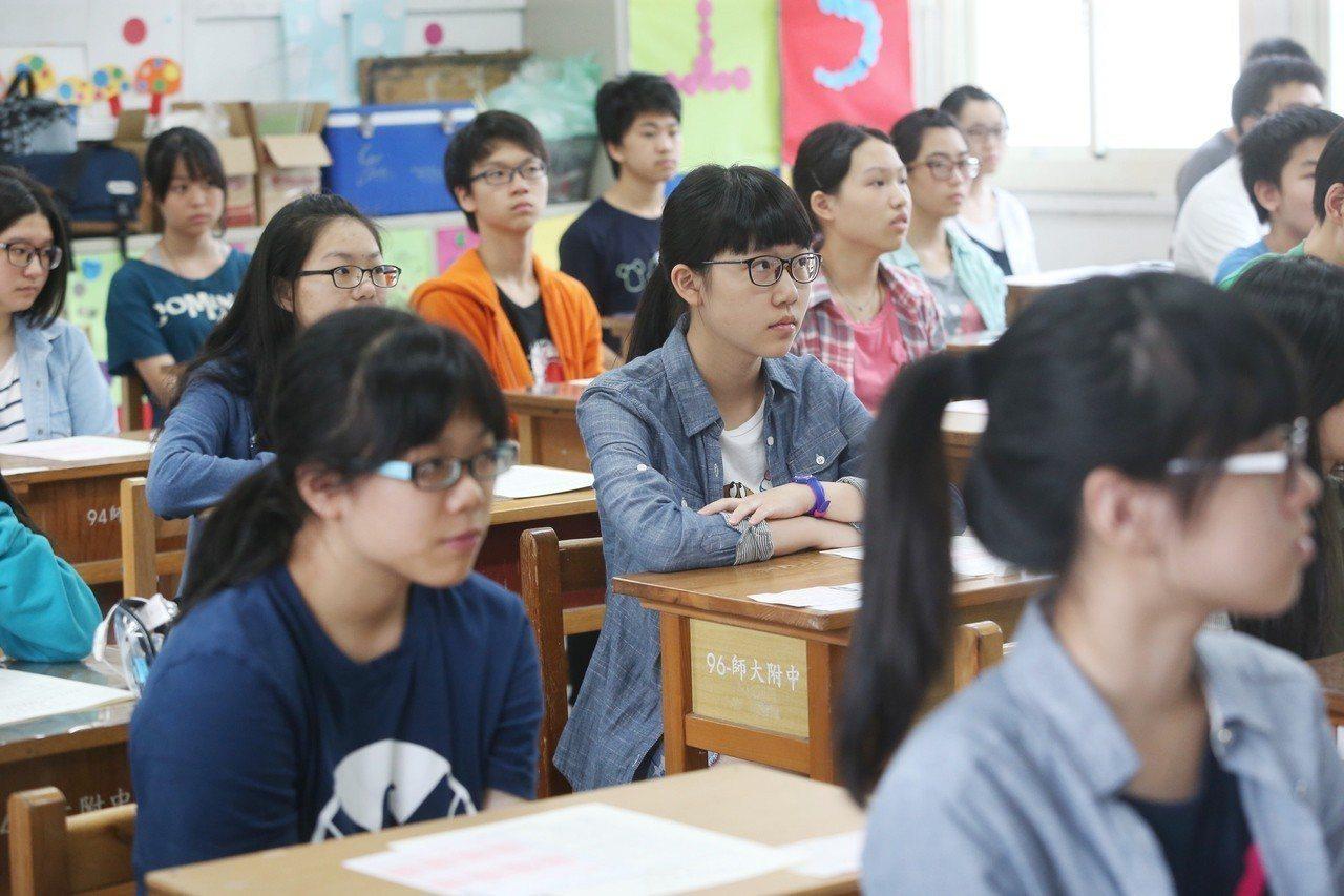 國中教育會考考生準備應考。聯合報系資料照/記者程宜華攝影
