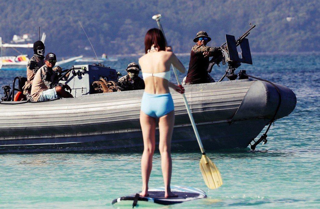 自4月26日起,菲律賓著名觀光勝地——長灘島——將因汙染整治因素,全島停止觀光6...