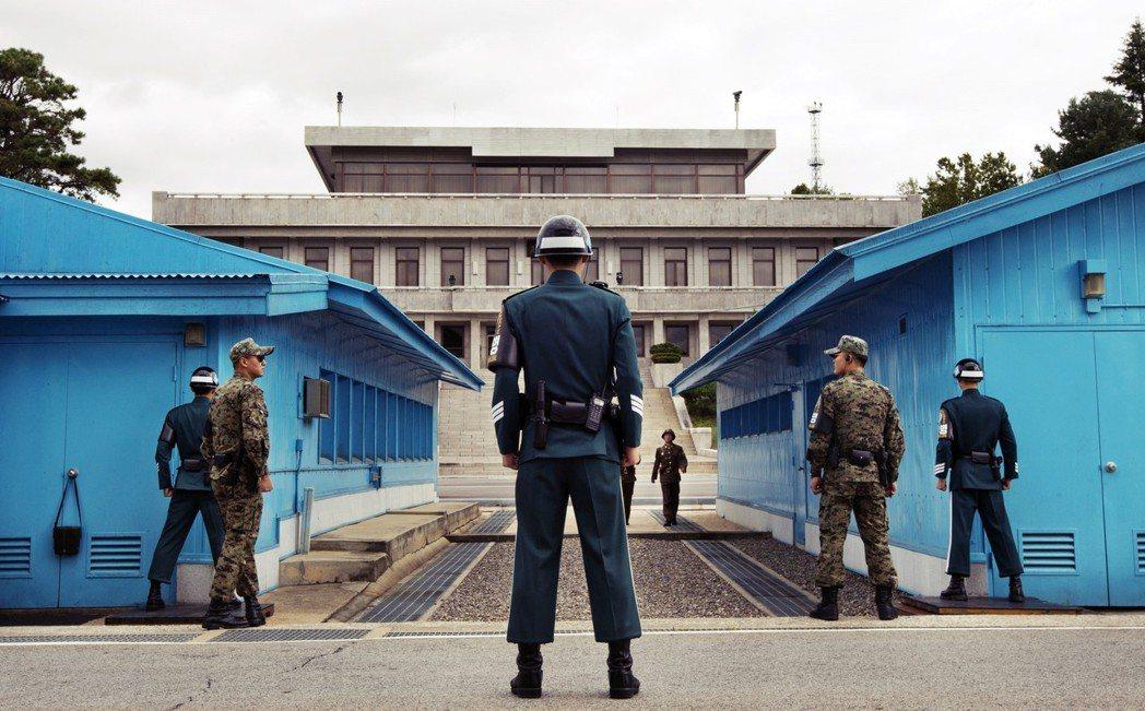 南北韓首腦27日會面的消息發佈後,DMZ非武裝地帶、板門店與JSA共同警備區,再...