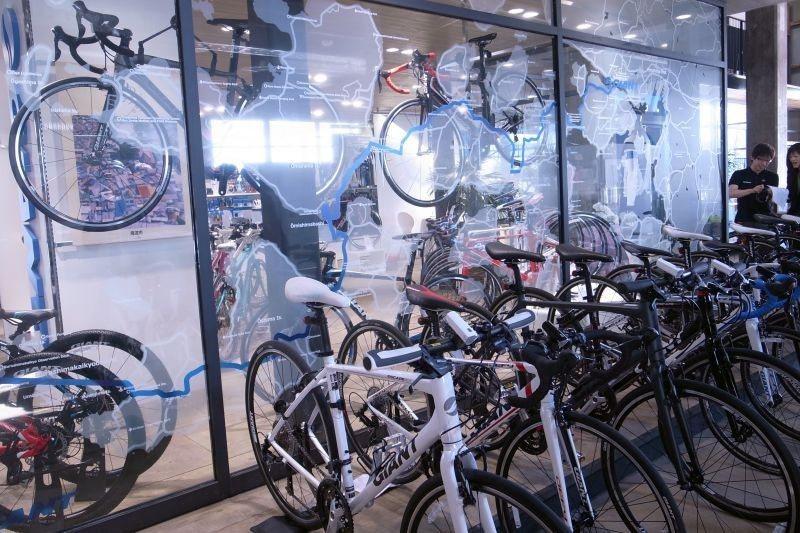 ▲這邊出租的單車可不是隨便的買菜車。 (photo by 達叔)
