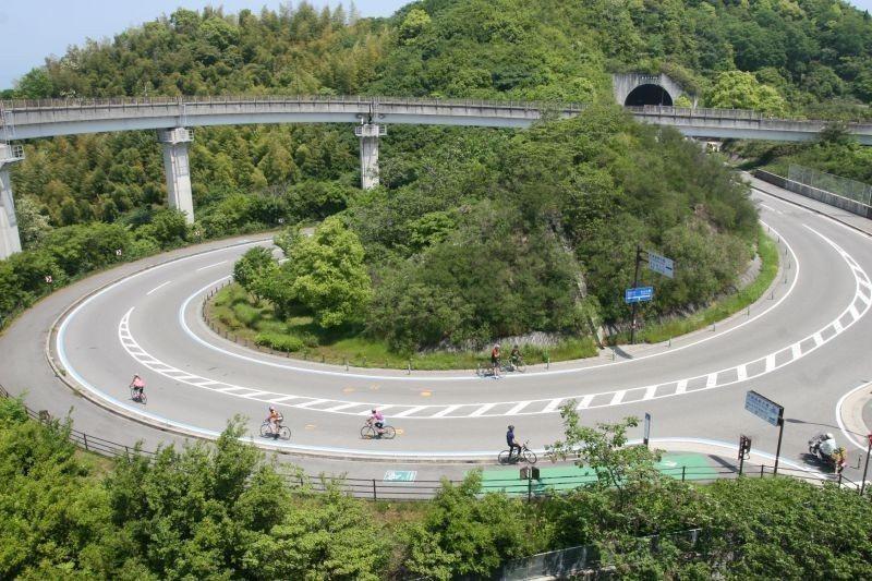 ▲上下橋都會經過美麗的引道! (photo by 達叔)