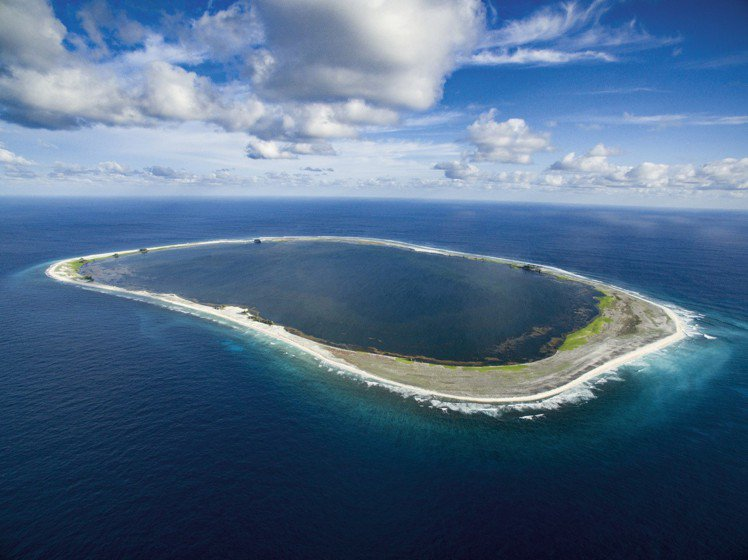 Oris今年贊助Clipperton探險隊的運作,藉由科學家們的研究,同時保育島...