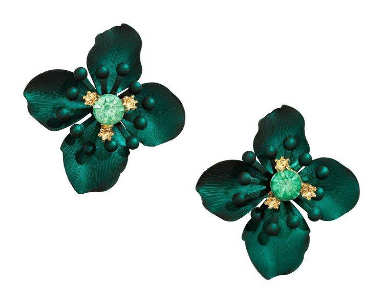 H&M 2018春夏度假系列花朵造型耳環,約349元。圖/H&M提供