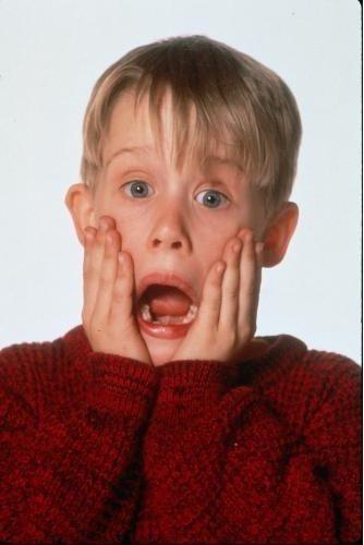 「小鬼當家」麥考利克金的招牌動作,至今仍讓人印象深刻。圖/摘自imdb