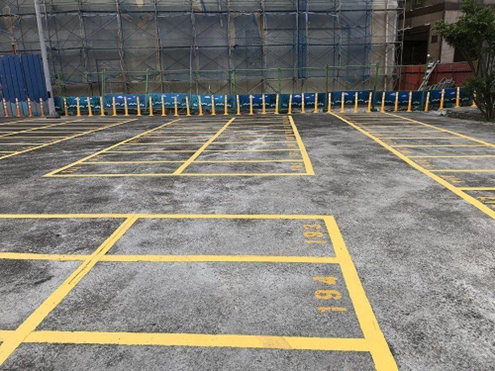 中和秀山停車場有217個機車停車格。圖/新北交通局提供