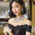 鍾瑶首次戴上億級珠寶 就怕姐的氣勢出不來
