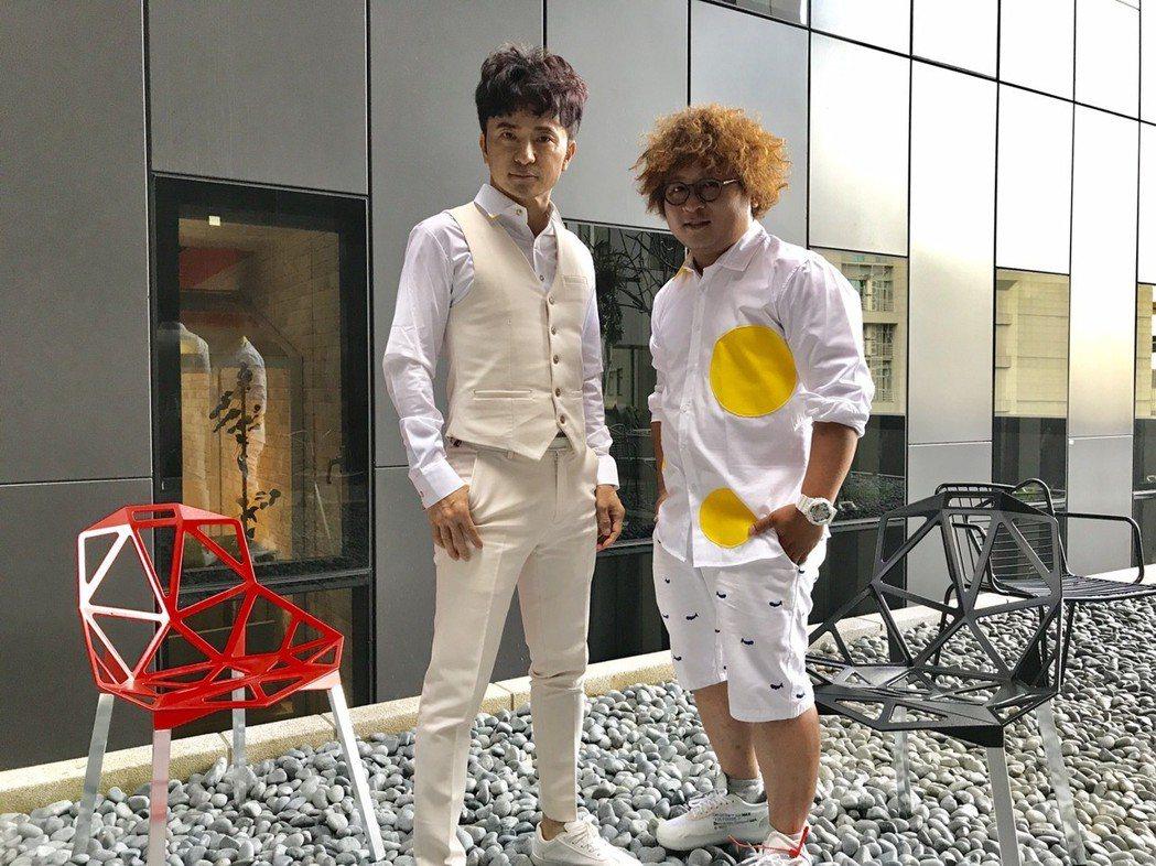 納豆(左)跟從從正式成為娛樂圈幕後主管,兩人雙掛總監職。記者葉君遠/攝影
