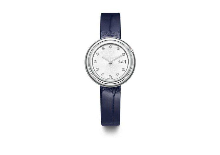 Krystal配戴全新的伯爵Possession 系列29毫米精鋼鑲鑽腕表,搭配...