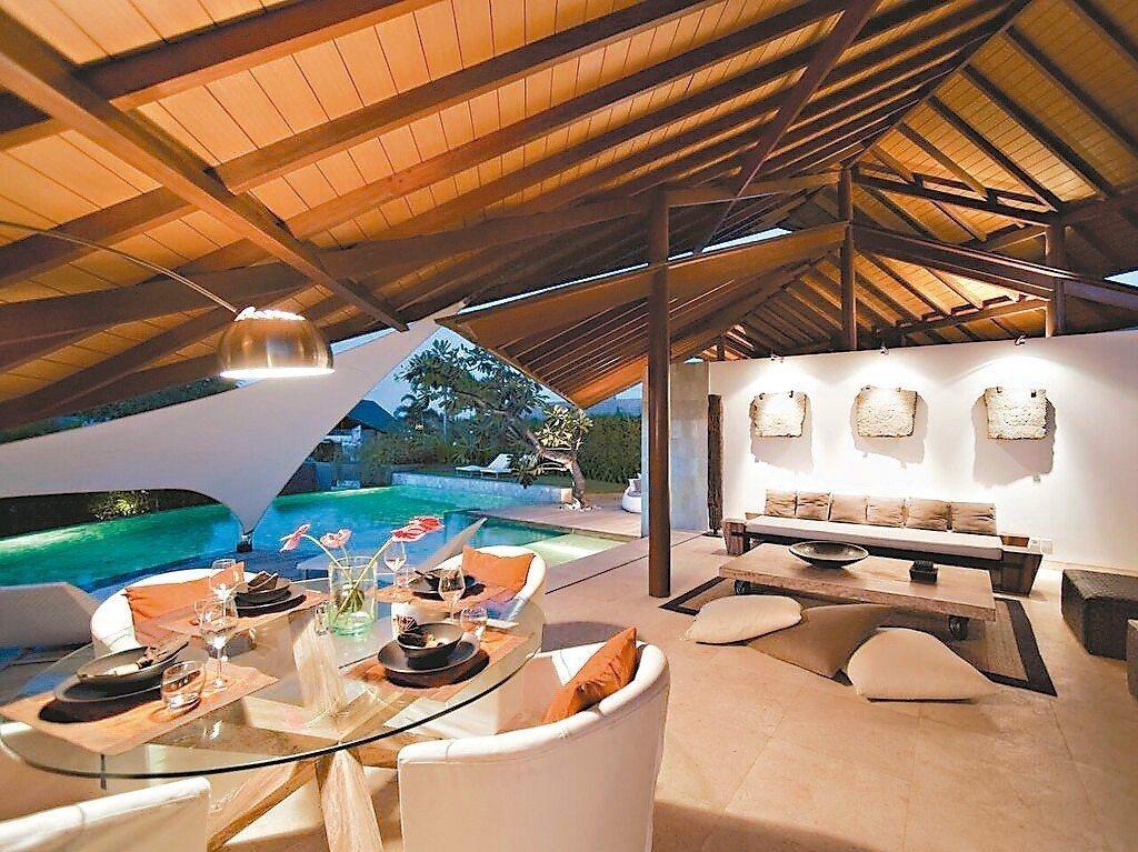 別墅有私人泳池和花園,可以享受完全不受打擾。 圖/Booking.com/提供