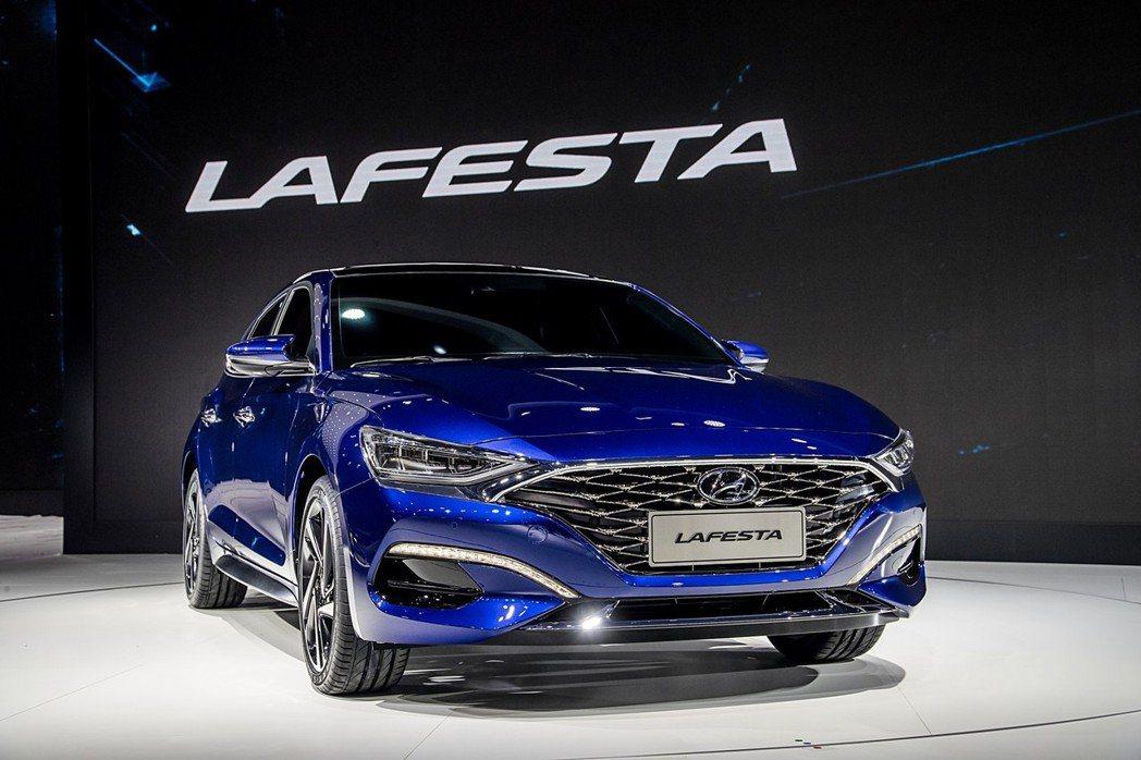 第一眼看到Hyundai Lafesta時,會有種看到Elantra或Genesis G70的錯覺。 摘自Hyundai