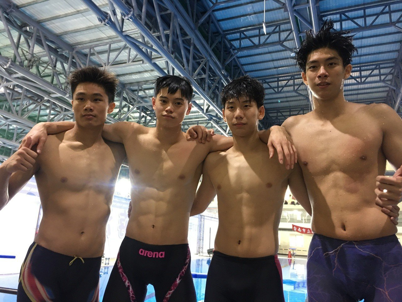 建中泳隊在全中運壓軸的400公尺混合式再度打破大會紀錄,完成7連霸。 記者曾思...