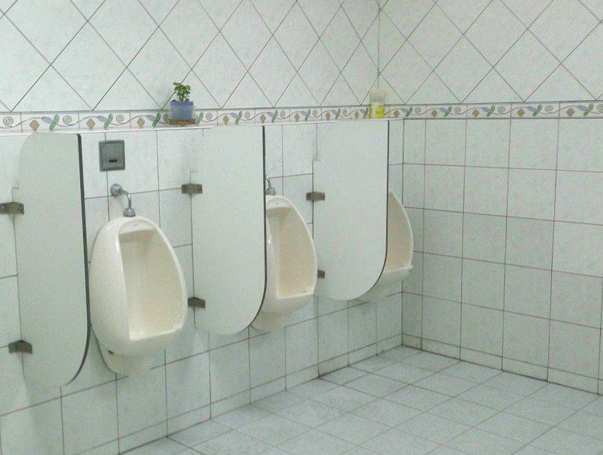 北檢為了馬英九出庭,連偵查庭外的廁所都特別要求務必乾淨。 記者張宏業/翻攝