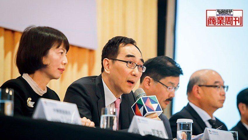 開發金控總經理、中國人壽董事長-王銘陽(左2)(攝影者.陳宗怡)